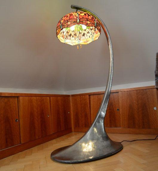 Hliníkový stojan na Tiffany lampu